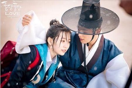 Nhung tinh huong 'troi oi dat hoi' khi xuyen khong cua phim Han - Anh 7