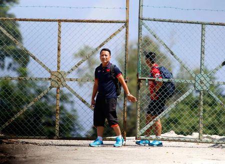U22 Viet Nam bi Malaysia 'choi xau', HLV Huu Thang buc minh - Anh 3