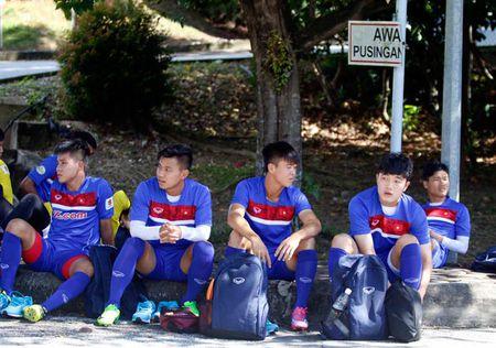 U22 Viet Nam bi Malaysia 'choi xau', HLV Huu Thang buc minh - Anh 5