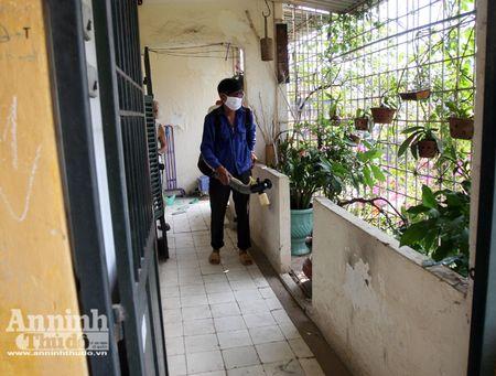 Lanh dao TP Ha Noi kiem tra cong tac chong sot xuat huyet o diem nong Ha Dong - Anh 10