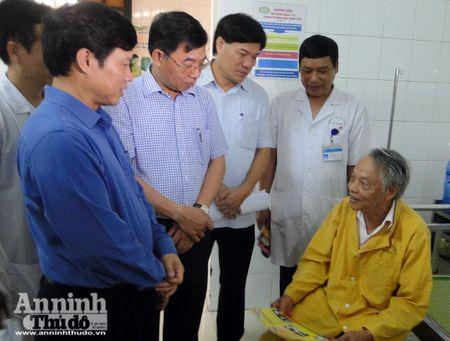 Lanh dao TP Ha Noi kiem tra cong tac chong sot xuat huyet o diem nong Ha Dong - Anh 4