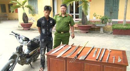 Thai Binh: Tom gon doi tuong cuop giat, thu giu nhieu hung khi - Anh 1