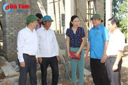 LDLD tinh tich cuc ho tro xay dung NTM o Cam Xuyen - Anh 3