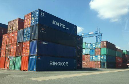 "Bo Cong an vao cuoc dieu tra vu 213 container ""mat tich"" - Anh 1"