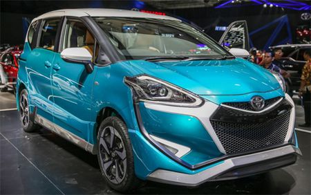 Toyota Sienta Ezzy - xe gia dinh phong cach la - Anh 1