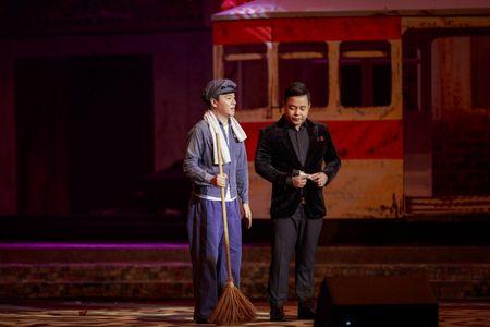 Le Quyen e then lam dam cuoi voi Quang Dung tren san khau Mua thu vang - Anh 13