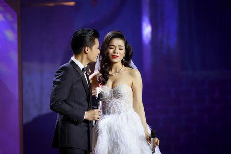 Le Quyen e then lam dam cuoi voi Quang Dung tren san khau Mua thu vang - Anh 6