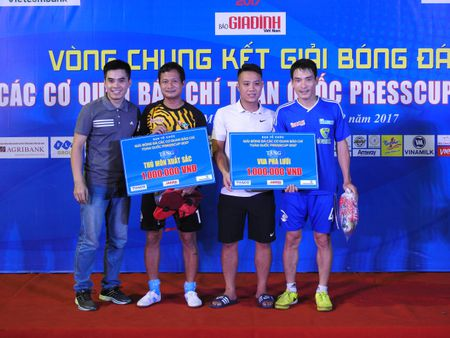 Be mac Press Cup 2017: Dai Truyen hinh Viet Nam vo dich, Bao Phap luat Viet Nam gianh giai phong cach - Anh 2