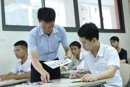 Bo truong Phung Xuan Nha noi ve nghich ly '30 diem van truot dai hoc' - Anh 4