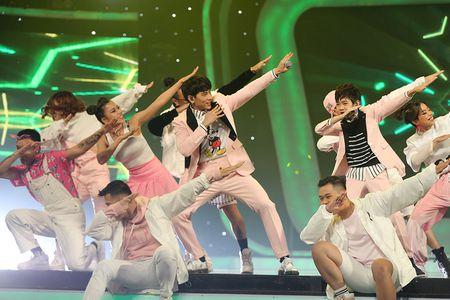 VN Idol Kids 2017: Thien Khoi dang quang voi luot binh chon ap dao - Anh 6