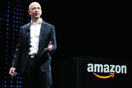 Ti phu Amazon Jeff Bezos mat ngoi giau nhi the gioi - Anh 1