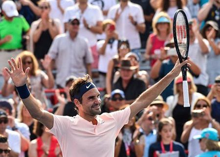 Rogers Cup 2017: Roger Federer thang tien vao ban ket - Anh 1