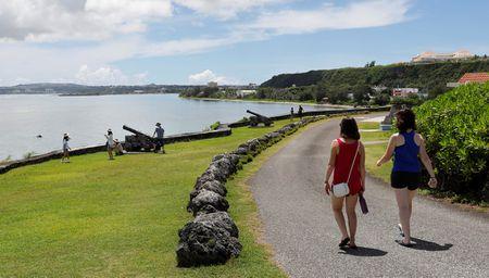 Nhip song tren dao Guam sau khi Trieu Tien doa tan cong - Anh 9
