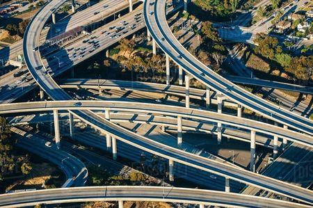 Tai sao Autobahn tai Duc khong gioi han toc do nhu My? - Anh 3