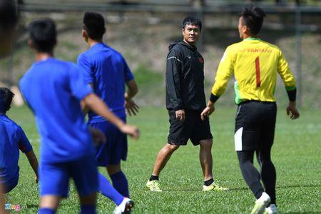 Huu Thang va hoc tro gap kho lien tiep truoc SEA Games 29 - Anh 10