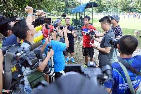 Huu Thang va hoc tro gap kho lien tiep truoc SEA Games 29 - Anh 11