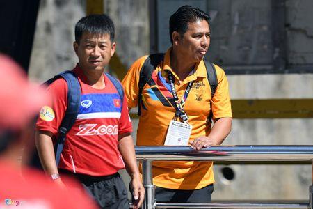 Huu Thang va hoc tro gap kho lien tiep truoc SEA Games 29 - Anh 4