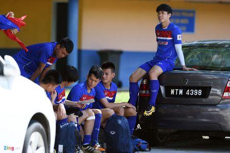 Huu Thang va hoc tro gap kho lien tiep truoc SEA Games 29 - Anh 6
