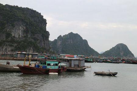 'Lac buoc' vao cang bien dep bac nhat Vinh Bac Bo - Anh 3