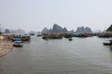 'Lac buoc' vao cang bien dep bac nhat Vinh Bac Bo - Anh 8