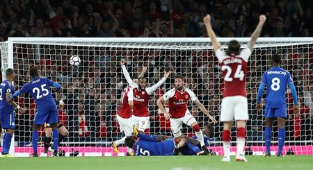 Arsenal danh bai Leicester sau man ruot duoi dien ro - Anh 1
