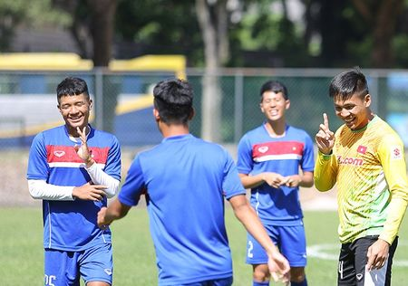 Chac suat SEA Games, Cong Phuong, Tuan Anh cuoi tit mat - Anh 4