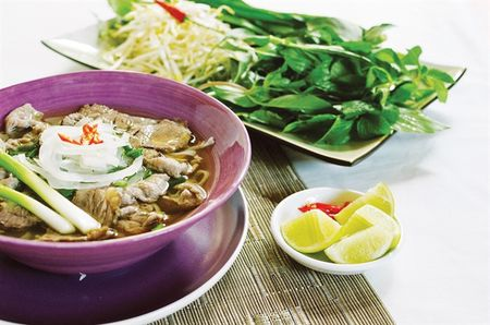 Bi quyet nau nuoc pho khong ham xuong, lam suon tan dung lo nuong - Anh 2