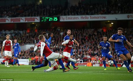 Toan canh chien thang day kich tinh cua Arsenal truoc Leicester City - Anh 12