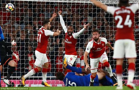Toan canh chien thang day kich tinh cua Arsenal truoc Leicester City - Anh 14