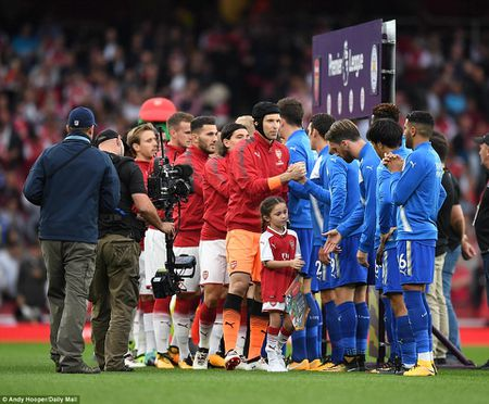 Toan canh chien thang day kich tinh cua Arsenal truoc Leicester City - Anh 1