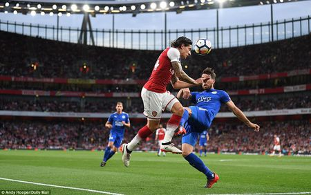 Toan canh chien thang day kich tinh cua Arsenal truoc Leicester City - Anh 2
