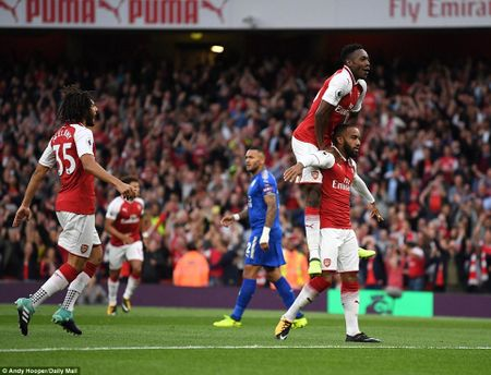 Toan canh chien thang day kich tinh cua Arsenal truoc Leicester City - Anh 3