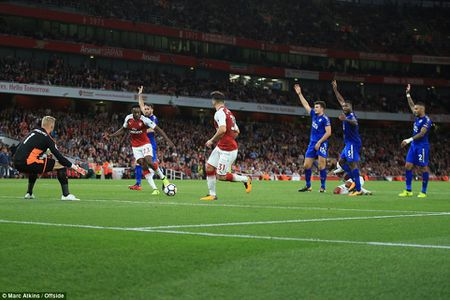 Toan canh chien thang day kich tinh cua Arsenal truoc Leicester City - Anh 6