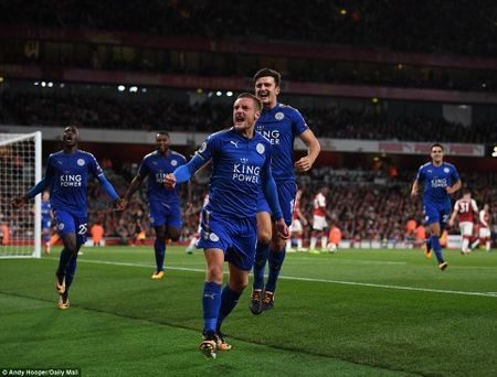 Toan canh chien thang day kich tinh cua Arsenal truoc Leicester City - Anh 8