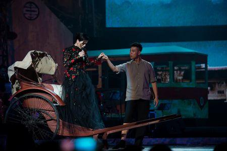 Le Quyen tua vai tinh tu Quang Dung trong liveshow Mua thu vang - Anh 12