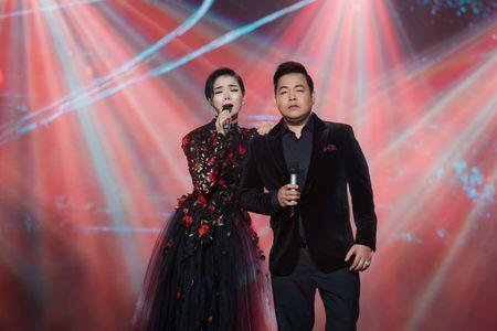 Le Quyen tua vai tinh tu Quang Dung trong liveshow Mua thu vang - Anh 13