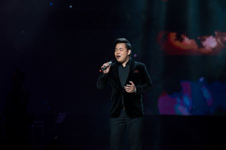 Le Quyen tua vai tinh tu Quang Dung trong liveshow Mua thu vang - Anh 15