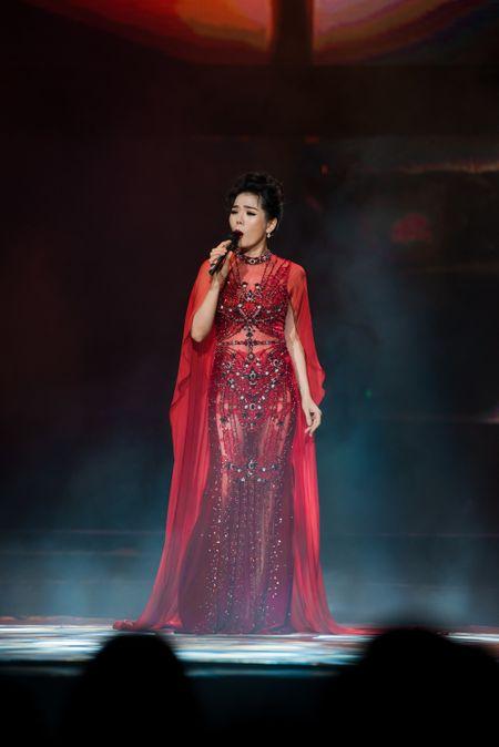Le Quyen tua vai tinh tu Quang Dung trong liveshow Mua thu vang - Anh 16