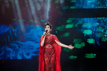 Le Quyen tua vai tinh tu Quang Dung trong liveshow Mua thu vang - Anh 17