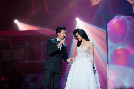 Le Quyen tua vai tinh tu Quang Dung trong liveshow Mua thu vang - Anh 4