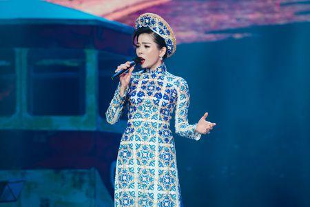 Le Quyen tua vai tinh tu Quang Dung trong liveshow Mua thu vang - Anh 6