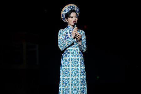 Le Quyen tua vai tinh tu Quang Dung trong liveshow Mua thu vang - Anh 7