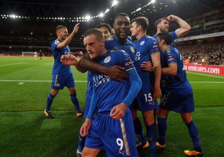 5 bai hoc tu tran Arsenal 4-3 Leicester: 'Ga son' Giroud cat tieng gay - Anh 10