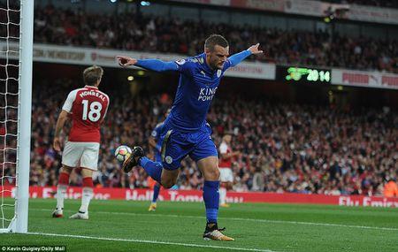 5 bai hoc tu tran Arsenal 4-3 Leicester: 'Ga son' Giroud cat tieng gay - Anh 11