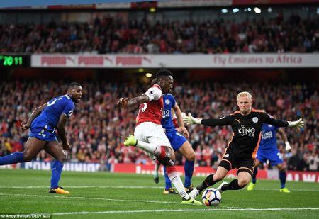 5 bai hoc tu tran Arsenal 4-3 Leicester: 'Ga son' Giroud cat tieng gay - Anh 5