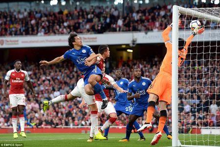 5 bai hoc tu tran Arsenal 4-3 Leicester: 'Ga son' Giroud cat tieng gay - Anh 7
