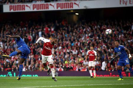 The thao 24h: Alexandre Lacazette lap ky luc moi tai Premier League - Anh 1