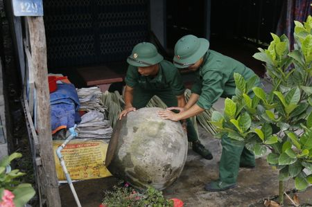 BDBP An Giang tham gia phong ngua dich sot xuat huyet tren dia ban dong quan - Anh 2