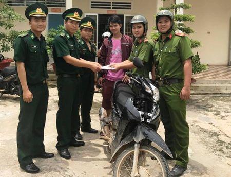 Kip thoi truy tim xe may bi trom cap dua sang Campuchia tieu thu - Anh 1
