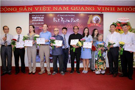 Nhung tinh yeu Ha Noi qua doi nong nan trong giai thuong tron ven 10 nam - Anh 1